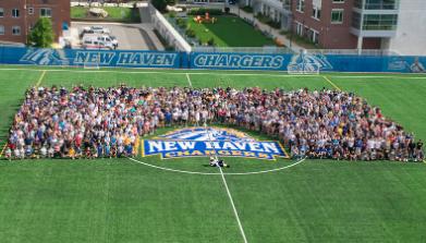 纽黑文大学欢迎其最大的入学课程之一