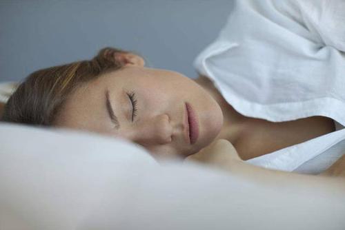 睡眠专家说并不是每个人都能早起