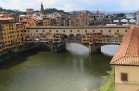 凯特·佛罗伦萨发布世界稀有的克什米尔蓝宝石系列