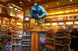 迪士尼商店展示了展示了2019假日季节最受欢迎的节日玩具019