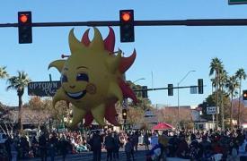 Fiesta Parade Floats赢得了2020年Rose游行的10项大奖 其中包括UPS商店的抽奖活动