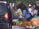 有网友在昆明街头偶遇鞠婧祎身着黄色上衣进行拍摄工作